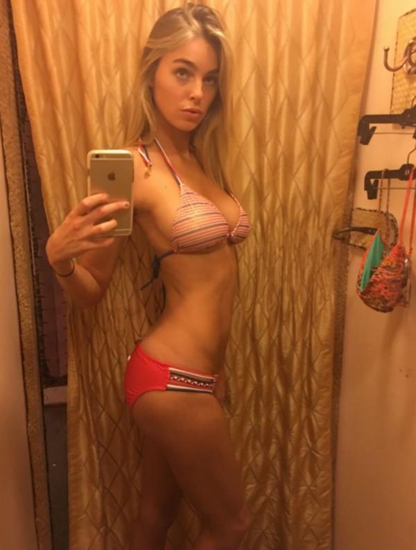 Elizabeth Turner Nude Sexy Photos 66