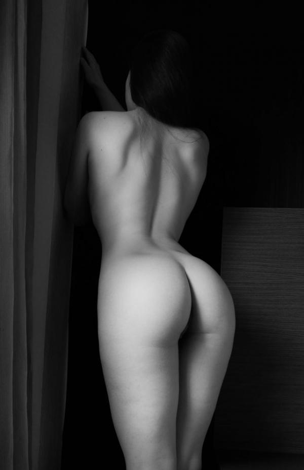 Elle Beth Nude Photos 17