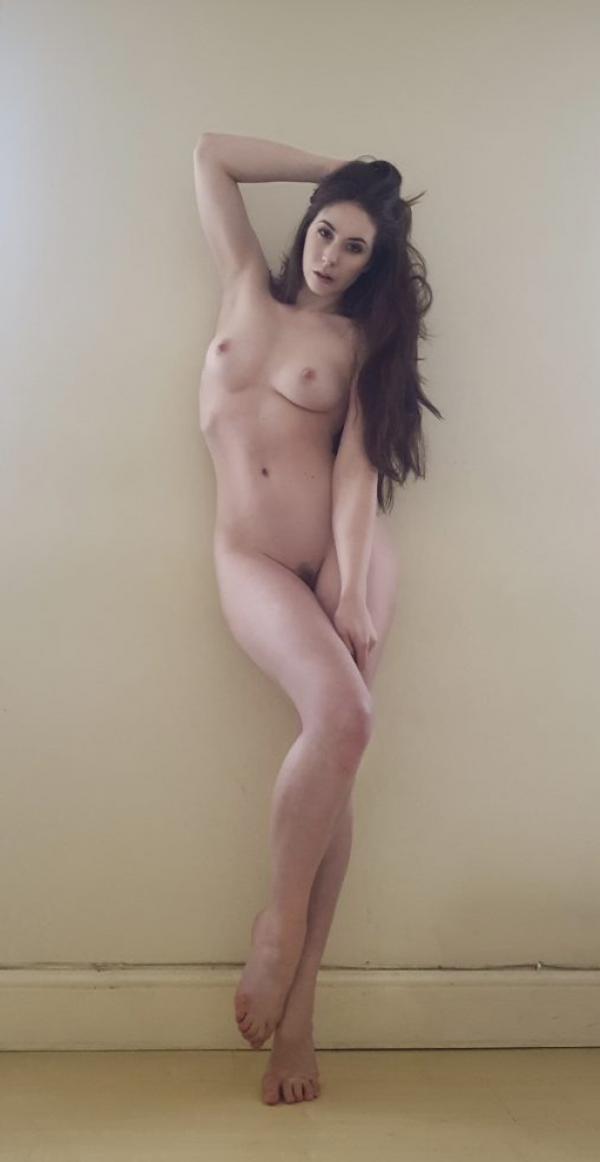 Elle Beth Nude Photos 25