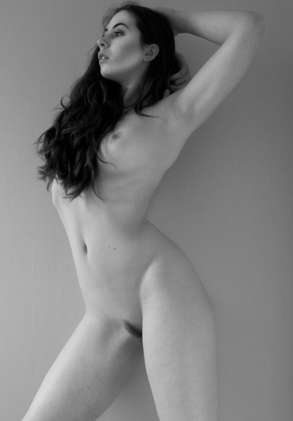 Elle Beth Nude Photos 7