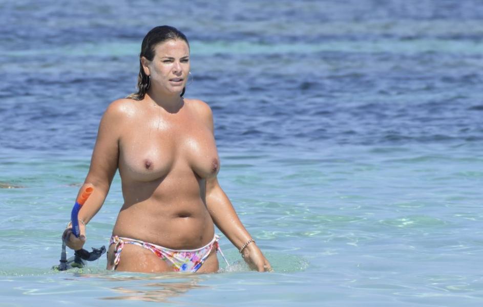Fiona Falkiner Topless