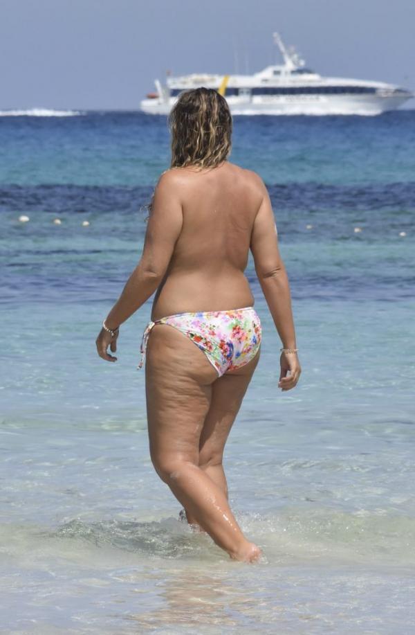 Fiona Falkiner Topless Photos 10