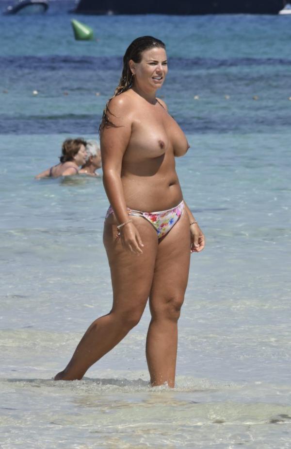 Fiona Falkiner Topless Photos 12