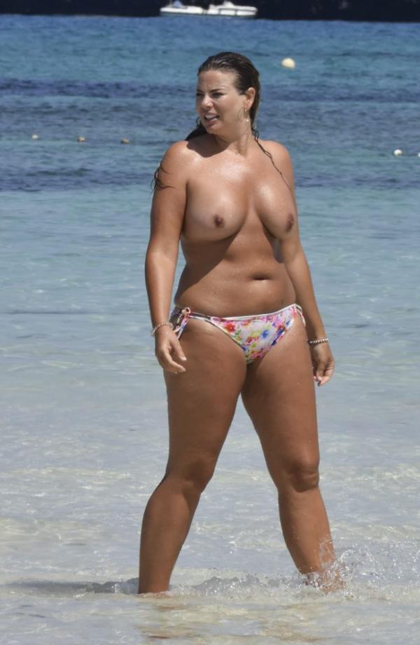 Fiona Falkiner Topless Photos 13