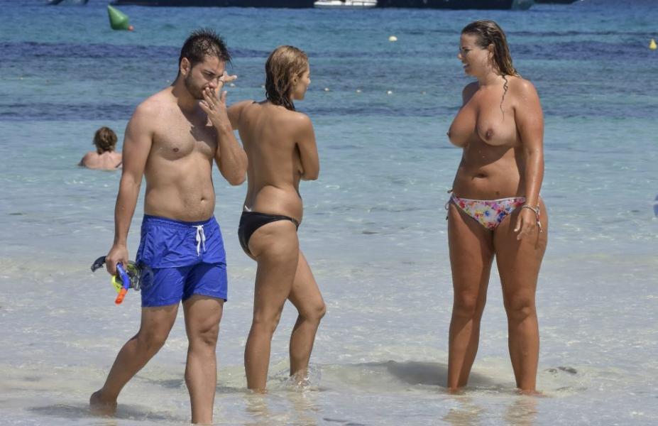 Fiona Falkiner Topless Photos 14