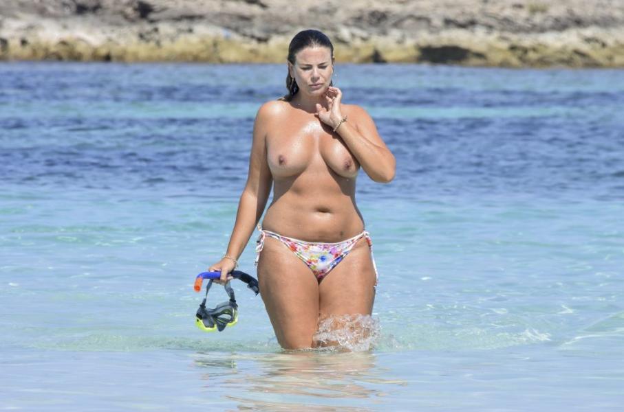 Fiona Falkiner Topless Photos 4