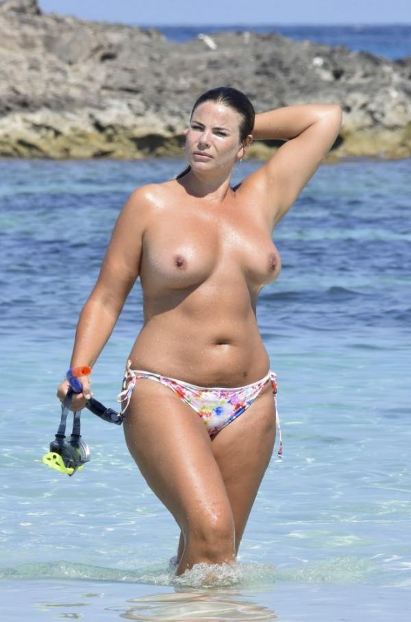 Fiona Falkiner Topless Photos 7