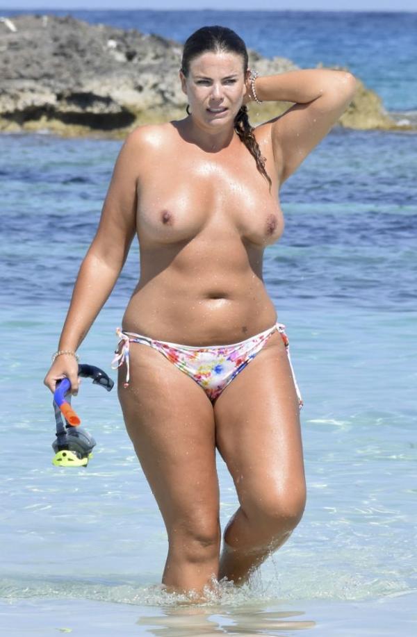 Fiona Falkiner Topless Photos 8