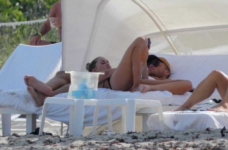 Francesca Aiello Nude Sexy Photos 62