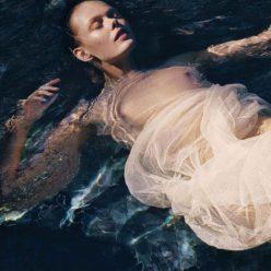 Frida Gustavsson Topless Photos 1