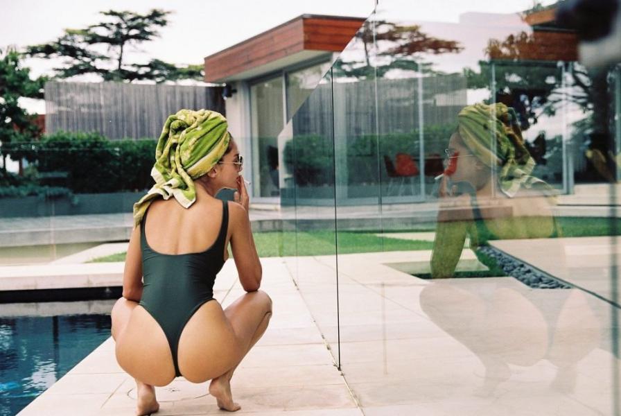 Gabrielle Caunesil Nude Sexy Photos 12