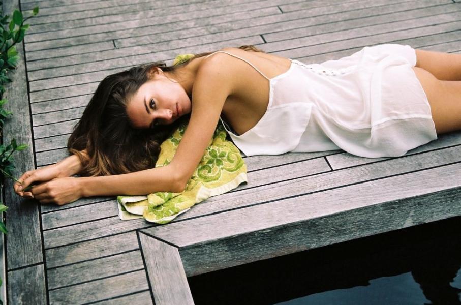 Gabrielle Caunesil Nude Sexy Photos 18