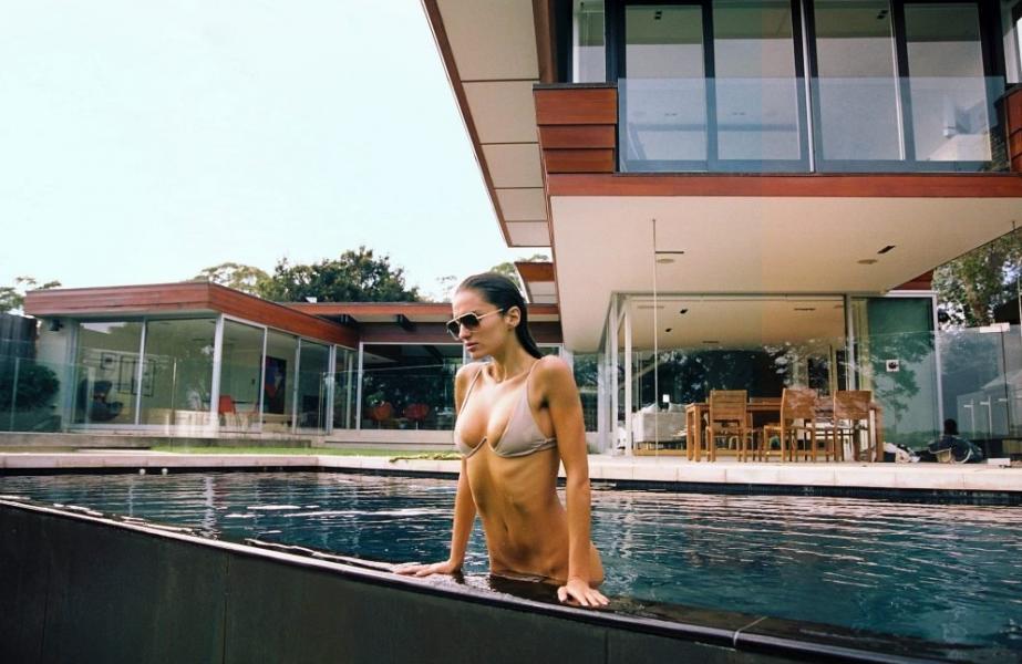 Gabrielle Caunesil Nude Sexy Photos 21