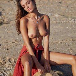 Gabrielle Caunesil Topless