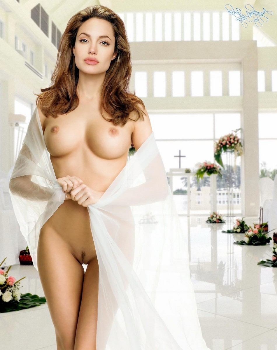 Angellina jolie naked