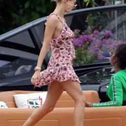 Hailey Baldwin Upskirt Photos 5