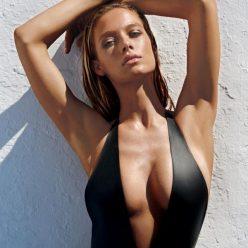 Hannah Ferguson Sexy Topless Photos 23