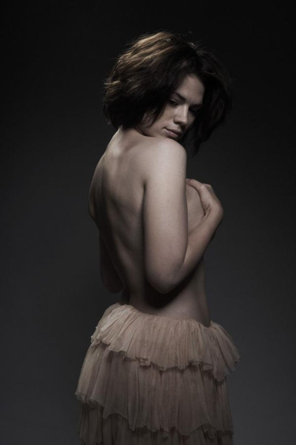 Hayley Atwell Topless Sexy Photos 10