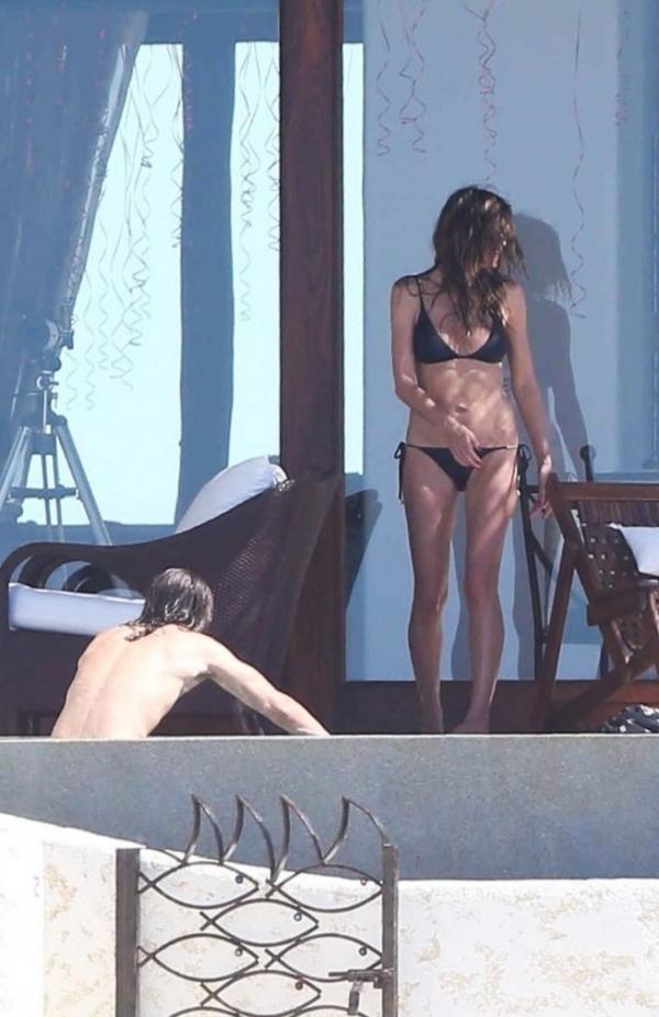 Heidi Klum See Through Sexy Photos 44