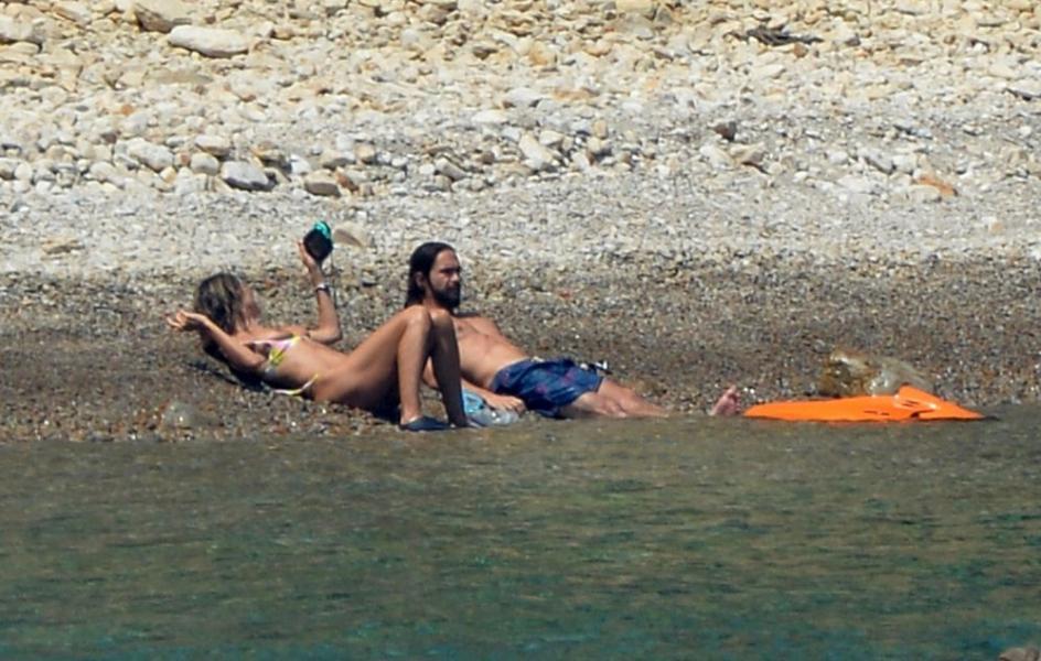 Heidi Klum Sexy Topless Photos 52