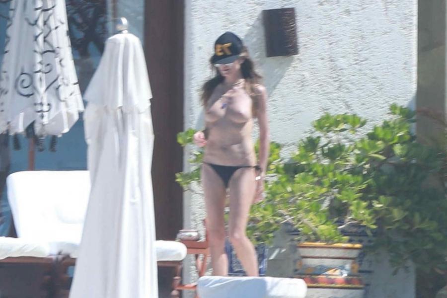 Heidi Klum Topless Photos 102