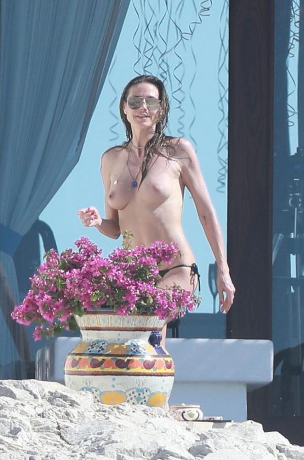 Heidi Klum Topless Photos 103