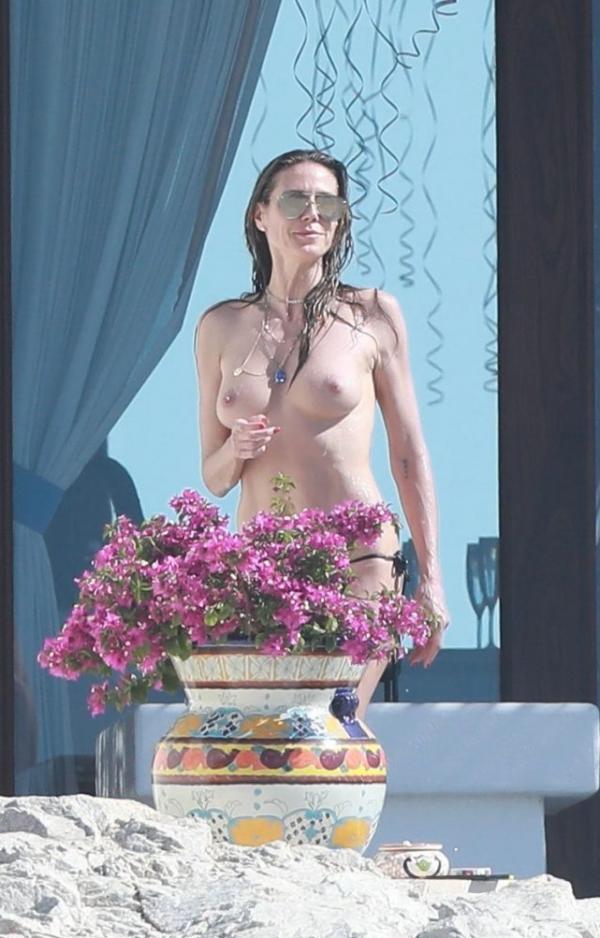 Heidi Klum Topless Photos 114