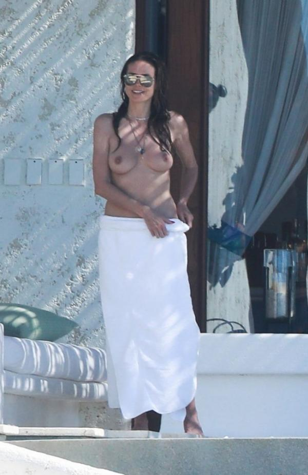 Heidi Klum Topless Photos 125