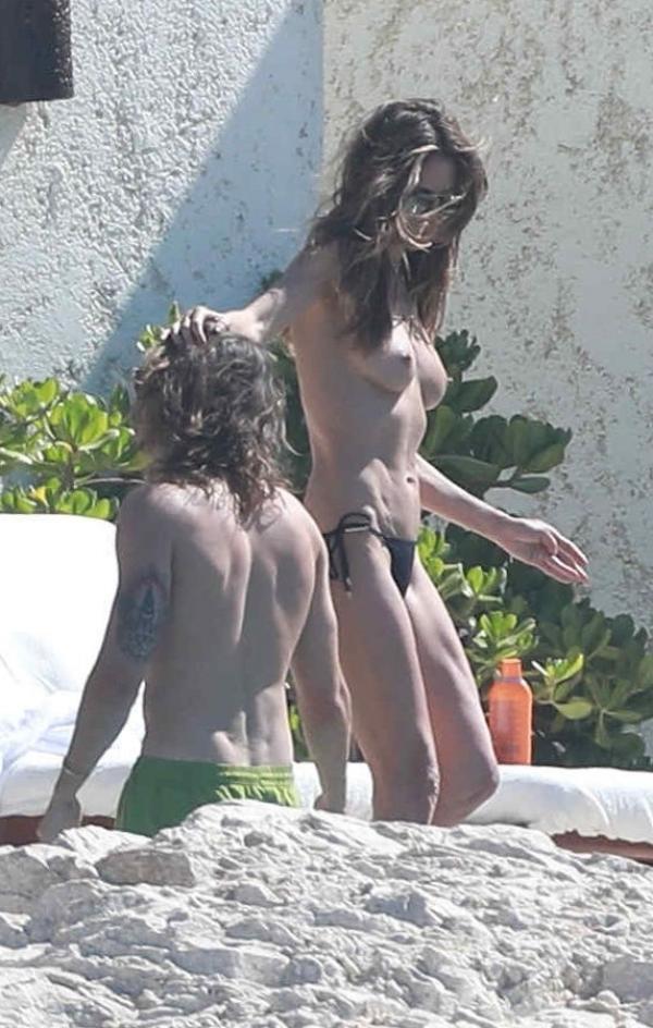 Heidi Klum Topless Photos 134