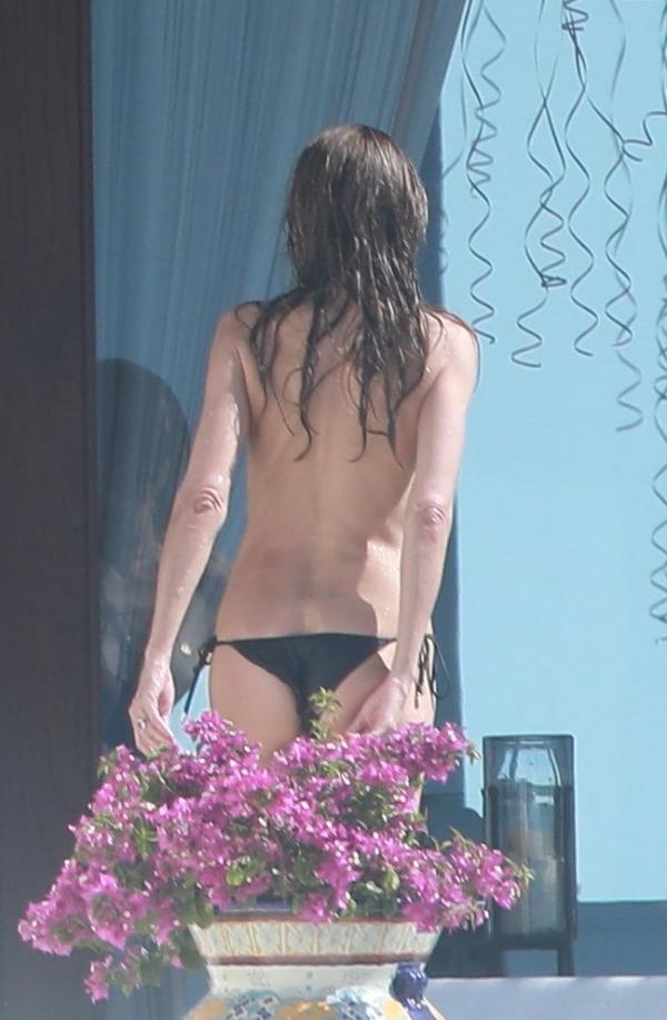 Heidi Klum Topless Photos 146