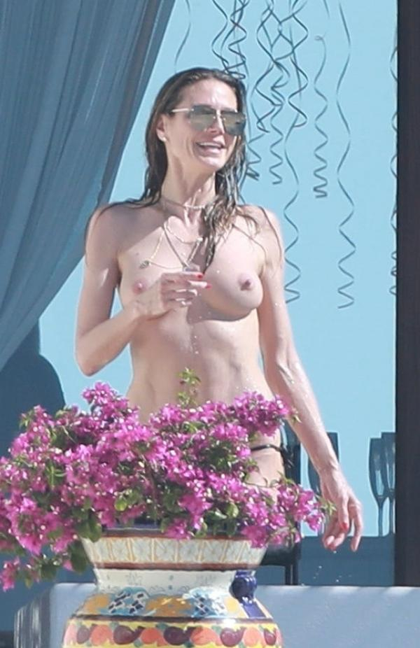 Heidi Klum Topless Photos 150