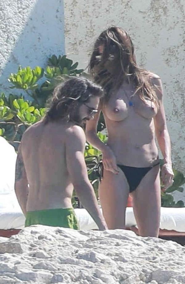 Heidi Klum Topless Photos 151