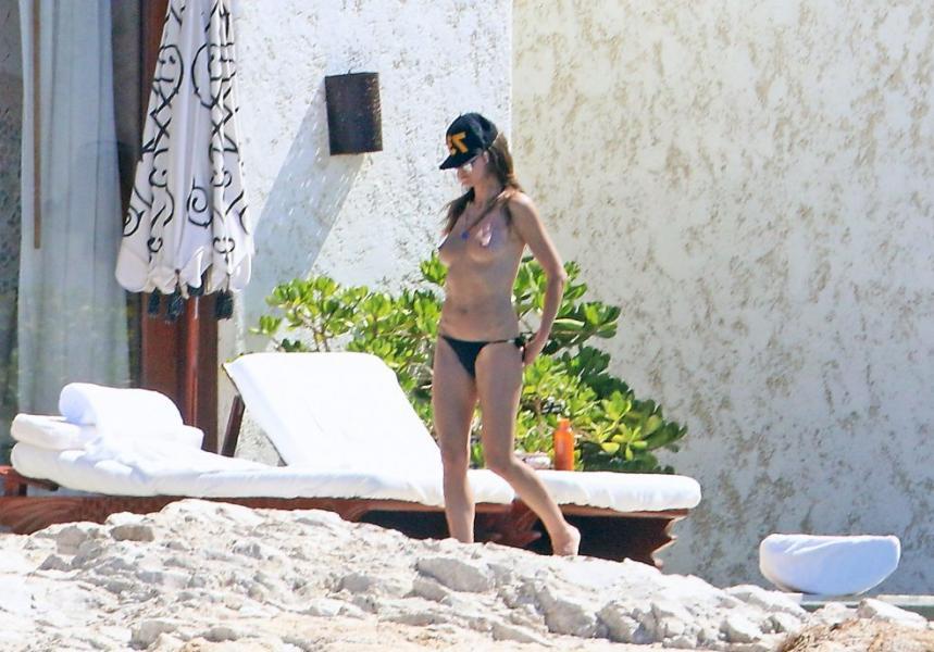 Heidi Klum Topless Photos 22