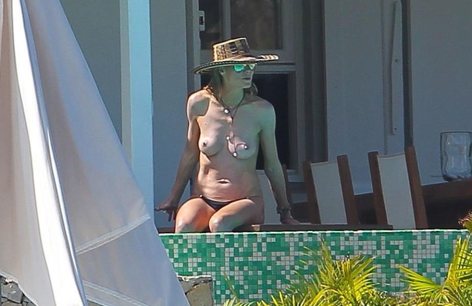 Heidi Klum Topless Photos 31 1