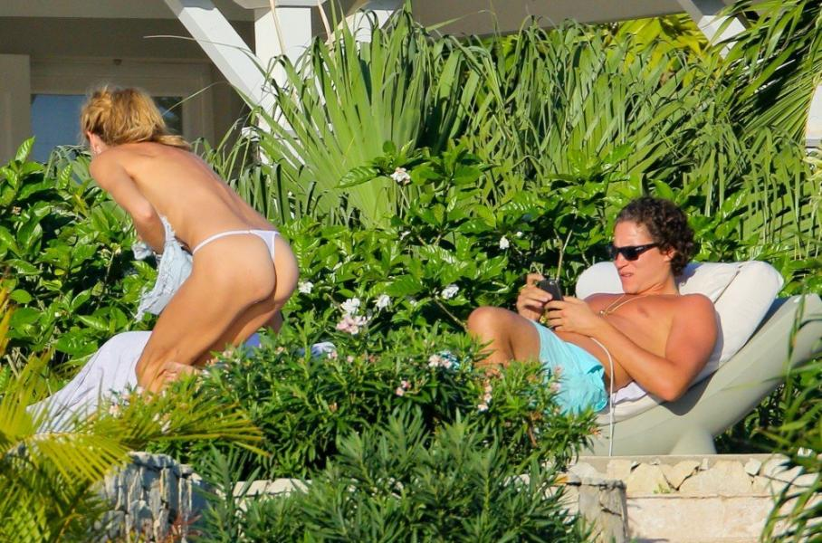 Heidi Klum Topless Photos 8 1
