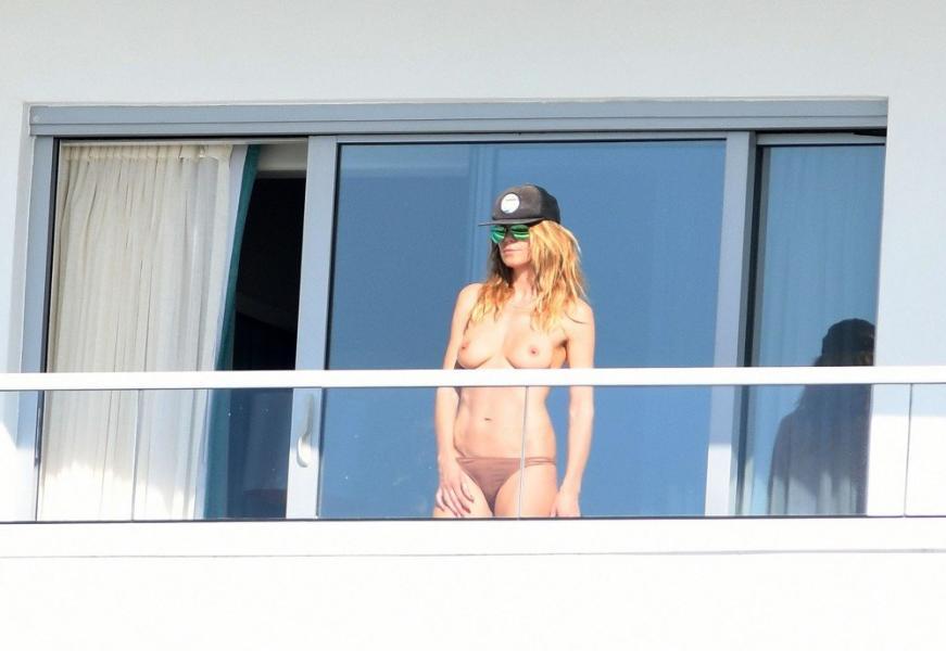 Heidi Klum Topless Pics 15