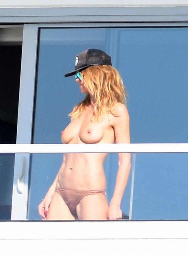 Heidi Klum Topless Pics 17