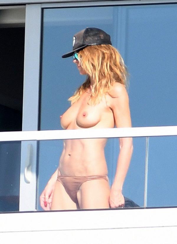 Heidi Klum Topless Pics 18