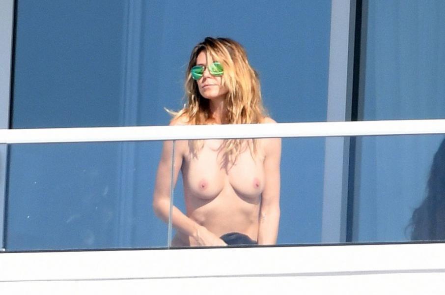 Heidi Klum Topless Pics 73