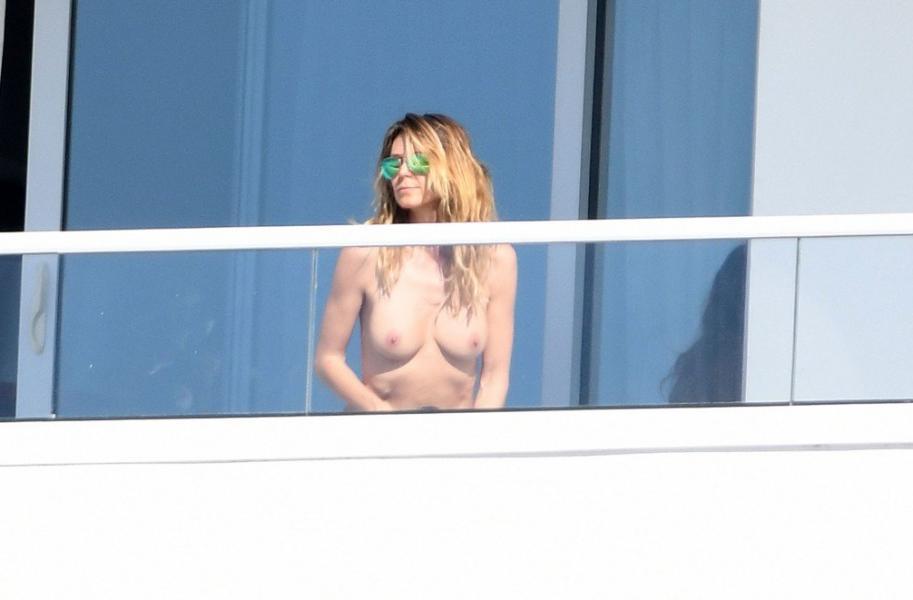 Heidi Klum Topless Pics 75