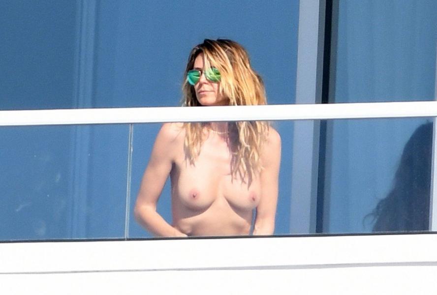 Heidi Klum Topless Pics 76