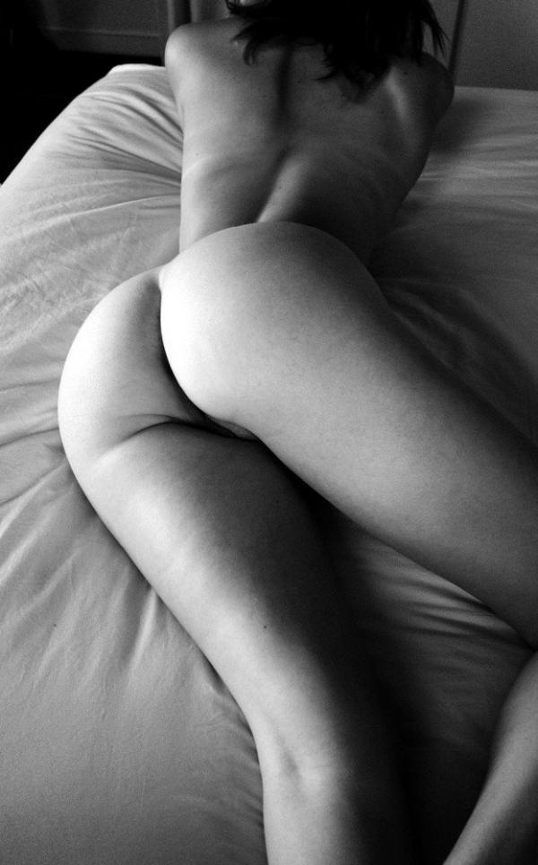 Helen Reilly Nude Sexy Photos 6