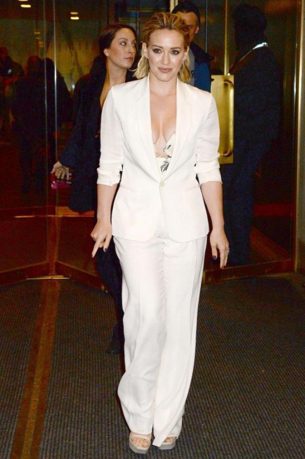 Hilary Duff Nipple Slip Photos 109