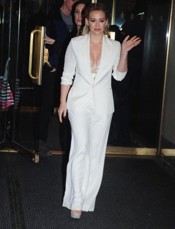 Hilary Duff Nipple Slip Photos 44