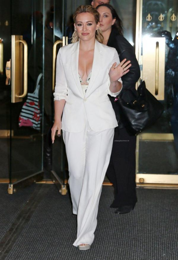 Hilary Duff Nipple Slip Photos 55
