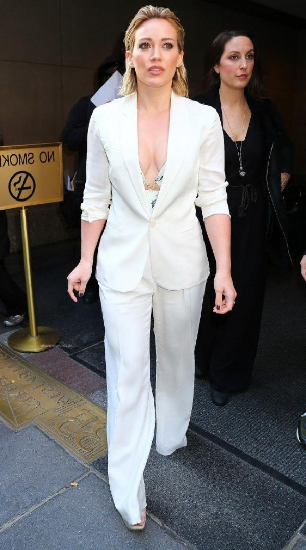 Hilary Duff Nipple Slip Photos 57