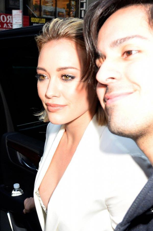 Hilary Duff Nipple Slip Photos 6