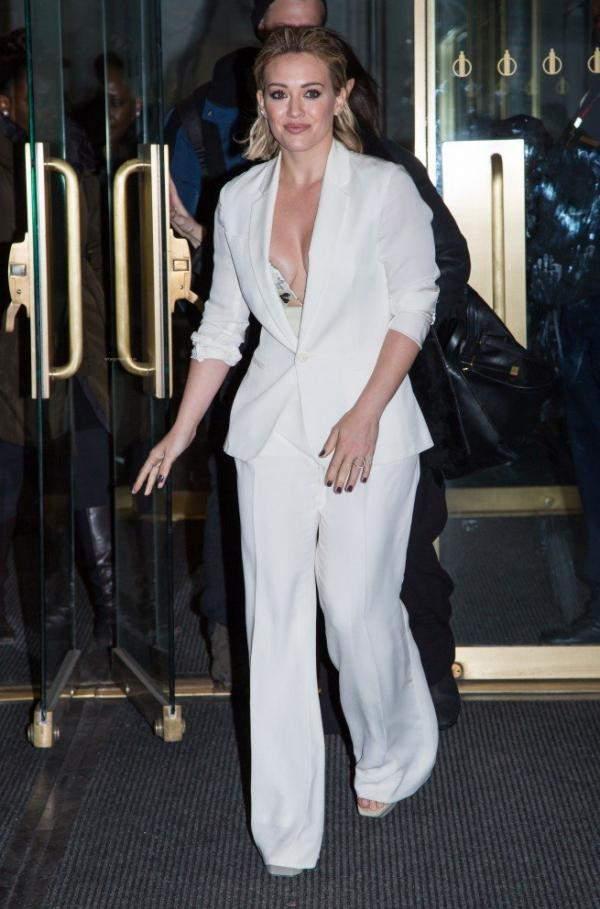 Hilary Duff Nipple Slip Photos 62