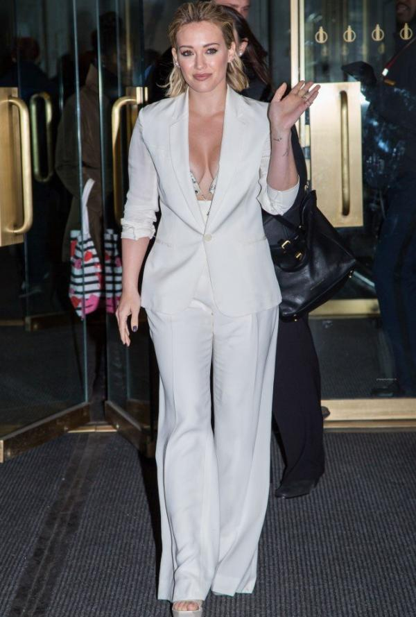 Hilary Duff Nipple Slip Photos 63