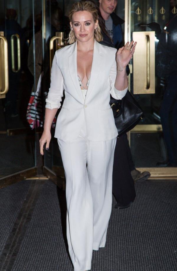 Hilary Duff Nipple Slip Photos 66